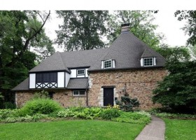 301 Arbor Ln Webster Groves, MO 63119